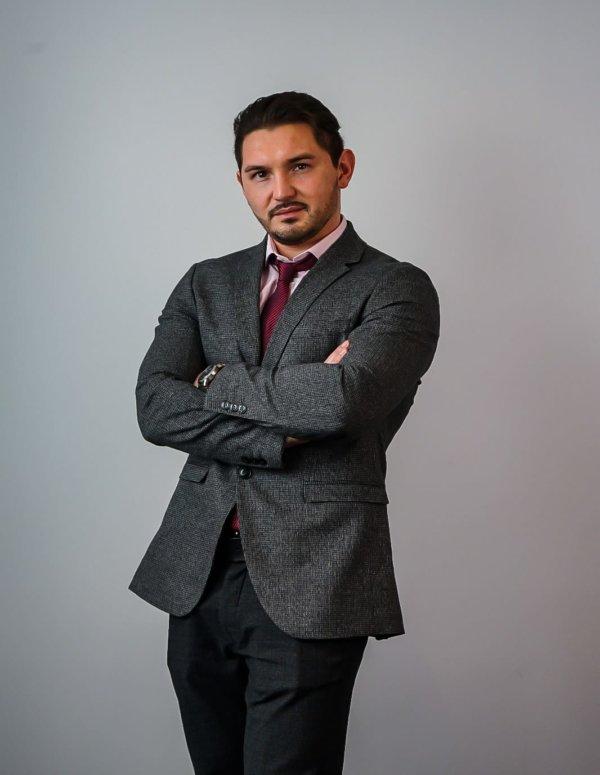 Ihr KMU-Berater: Max Stepanov LL.M.