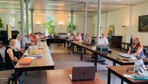 Fachgruppe im Tagungsraum von Hotel Falderhof