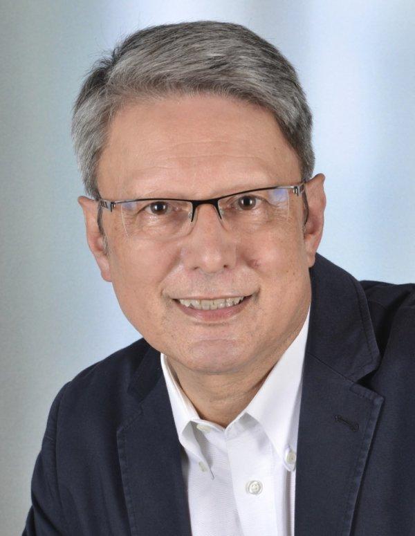Ihr KMU-Berater: Diplom Ökonom August Hohmann